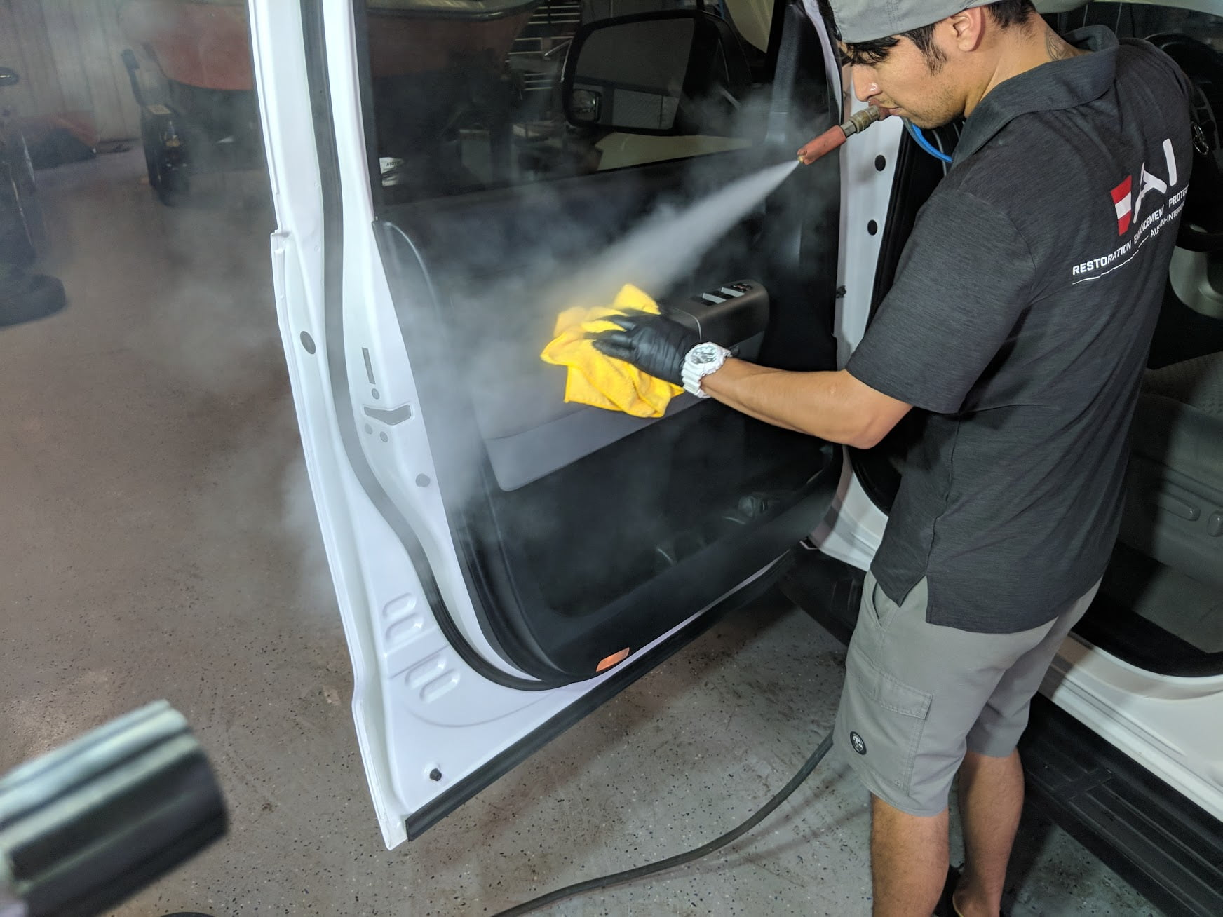 Removing Strong Car Odors – Just for the Smell of It