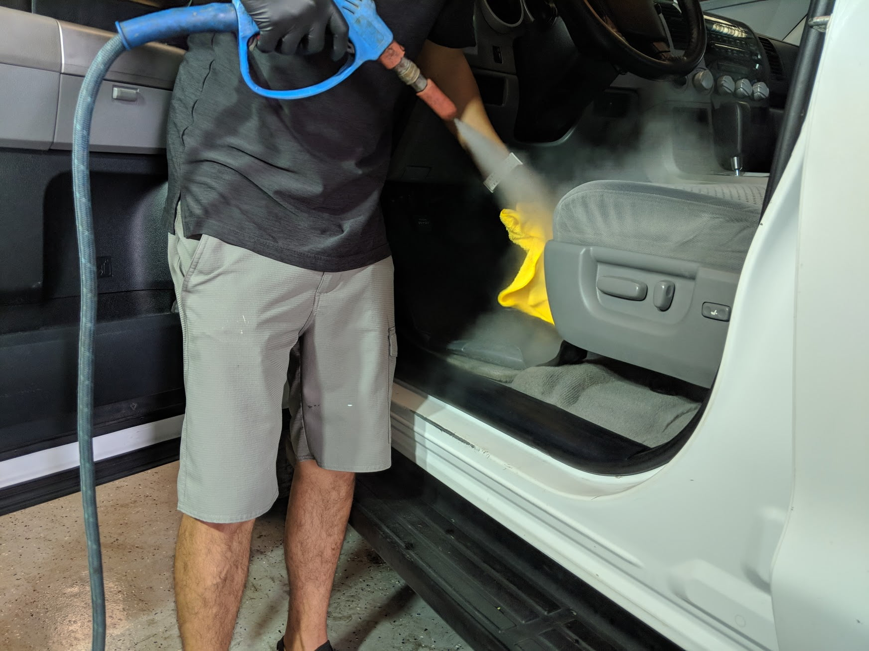 Removing Strong Car Odors - Just for the Smell of It 1